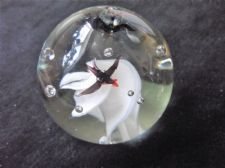 COLLECTABLE SOLID GLASS GLOBE PAPERWEIGHT CONTROLLED BUBBLES FLYING BIRDS 421g